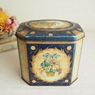 イギリス GRAY DUNN 花かごとブルーリボン ダークブルーのティン缶