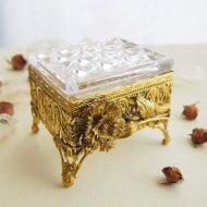 ジュエリーボックス・ケース お花模様 ガラスの宝石箱  / アンティーク・ヴィンテージ雑貨