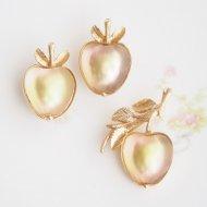 Sarah Coventry サラ・コベントリー Delicious アップル リンゴ ブローチ&イヤリング  / ヴィンテージジュエリー アクセサリー