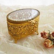 ジュエリーボックス・ケース ガラスの蓋の宝石箱 小花模様 オーバル  / アンティーク・ヴィンテージ雑貨
