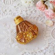 【カナダ発送】ゴールドトーン お花模様 ミニパフュームボトル 香水瓶 B / アンティーク・ヴィンテージ雑貨