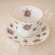 イギリス Royal Albert Sweet Violets ロイヤルアルバート スィートヴァイオレット スミレ カップ&ソーサー / アンティーク・ヴィンテージ雑貨