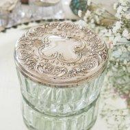 シルバープレートのお花模様の蓋付 ガラスのパウダージャー / アンティーク・ヴィンテージ雑貨