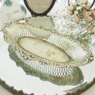 お花模様の縁取りが素敵なジュエリートレイ / アンティーク・ヴィンテージ雑貨