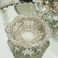 シルバーメタル お花模様の縁取のエレガントなジュエリートレイ / アンティーク・ヴィンテージ雑貨