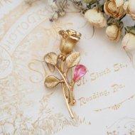 ゴールドトーン ピンクラインストーン ローズ 薔薇のブローチ  / ヴィンテージジュエリー アクセサリー