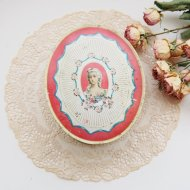 DU BARRY 淑女とピンクローズ オーバルシェイプのティン缶 ボックス  / アンティーク・ヴィンテージ雑貨