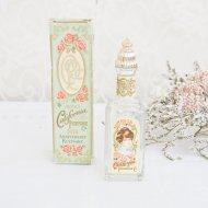 <img class='new_mark_img1' src='https://img.shop-pro.jp/img/new/icons12.gif' style='border:none;display:inline;margin:0px;padding:0px;width:auto;' />エイボン AVON ANNIVERSARY KEEPSAKE コロン パフュームボトル 香水瓶 箱付 / アンティーク・ヴィンテージ雑貨