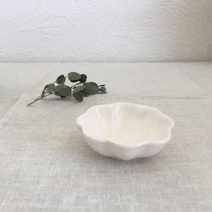 山本拓也 輪花鉢シェルS(乳白)