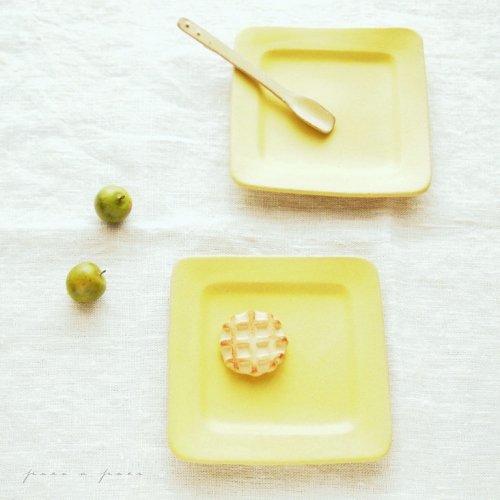 シトロン 正方リム小皿 【よしざわ窯】