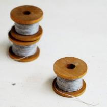木の巻板 麻糸付きボビンミニ