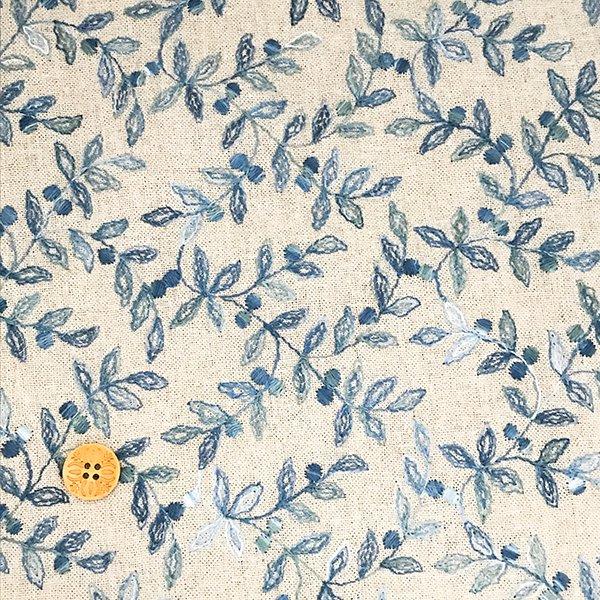 刺繍の綿麻布_葉っぱ ライトブルー(50cm)