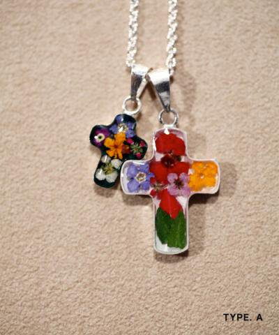 IMPORT / FLOWER CROSS NACKLACE-COMBI