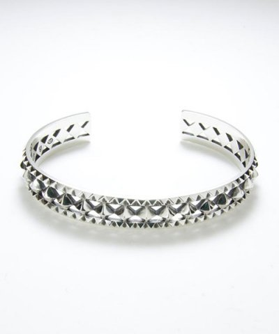 GARNI / Multiple Studs Bangle