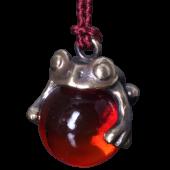 【龍頭】<br>蛙玉根付 真鍮 Red Glass