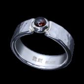 【龍頭】<br>丸鎚目リング 幅5mm<br>ガーネット<br />- メンズ 指輪 リング -