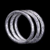 【龍頭】<br>ラウンド岩石鎚目リング<br />2mm 3連<br />- メンズ 指輪 リング -