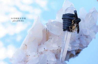 如意輪観音菩薩(右水晶)
