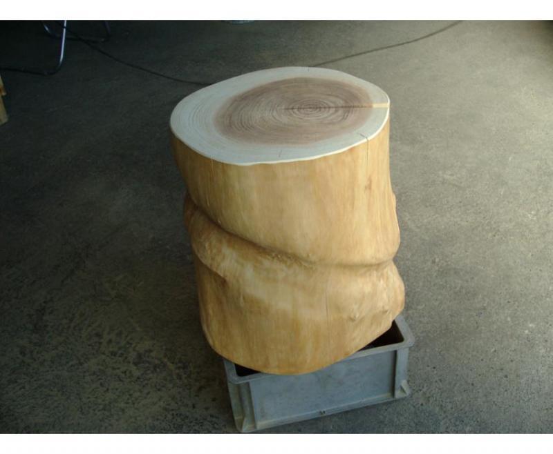 杉の無垢丸太椅子・高さ44cm×直径36~43cm 自然木杉7