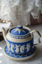 Spode/Copelandのティーポット&スタンド<img class='new_mark_img2' src='https://img.shop-pro.jp/img/new/icons49.gif' style='border:none;display:inline;margin:0px;padding:0px;width:auto;' />