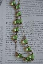 グリーンのアールデコのネックレス