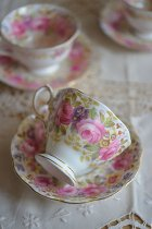 Royal Albertのカップ&ソーサーC