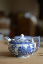 Wedgwoodウィローの小さなティーポット<img class='new_mark_img2' src='https://img.shop-pro.jp/img/new/icons49.gif' style='border:none;display:inline;margin:0px;padding:0px;width:auto;' />