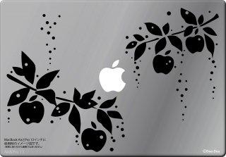 WOLFING 13インチ15インチ対応MacBook ステッカー スキンシール アートステッカー 雨雫のりんご ブラック<img class='new_mark_img2' src='https://img.shop-pro.jp/img/new/icons12.gif' style='border:none;display:inline;margin:0px;padding:0px;width:auto;' />