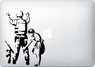 WOLFING 全サイズ対応 MacBook ステッカー アートステッカー スキンシール Banksy バンクシー Girl with Soldier ブラック