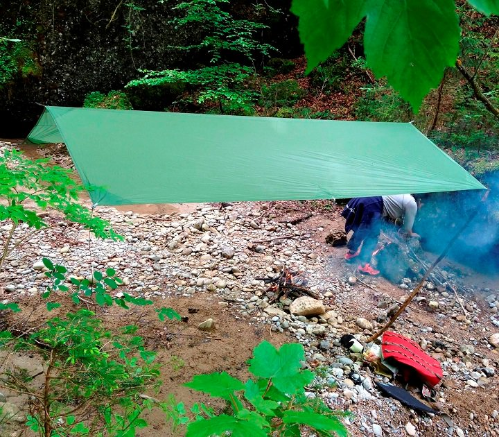 Solo Tarp<img class='new_mark_img2' src='https://img.shop-pro.jp/img/new/icons59.gif' style='border:none;display:inline;margin:0px;padding:0px;width:auto;' />