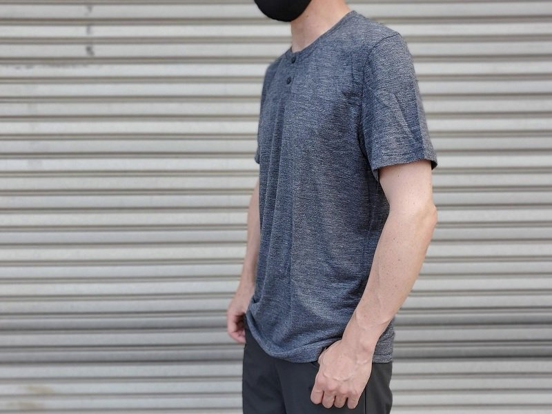 Everyday Exploration Henley Shirt<img class='new_mark_img2' src='https://img.shop-pro.jp/img/new/icons5.gif' style='border:none;display:inline;margin:0px;padding:0px;width:auto;' />