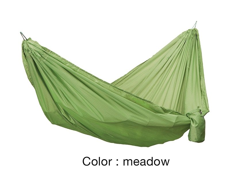 Travel Hammock<img class='new_mark_img2' src='https://img.shop-pro.jp/img/new/icons5.gif' style='border:none;display:inline;margin:0px;padding:0px;width:auto;' />