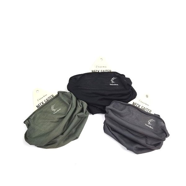 AXIO NECK GAITER<img class='new_mark_img2' src='https://img.shop-pro.jp/img/new/icons5.gif' style='border:none;display:inline;margin:0px;padding:0px;width:auto;' />