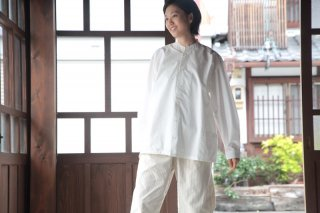 <img class='new_mark_img1' src='//img.shop-pro.jp/img/new/icons5.gif' style='border:none;display:inline;margin:0px;padding:0px;width:auto;' />THE HINOKI コットンブロード スタンドアップカラーシャツ