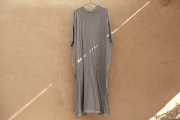 <img class='new_mark_img1' src='https://img.shop-pro.jp/img/new/icons5.gif' style='border:none;display:inline;margin:0px;padding:0px;width:auto;' />COSMIC WONDER Beautiful Organic cotton T-shirt dress(Light sumikuro)