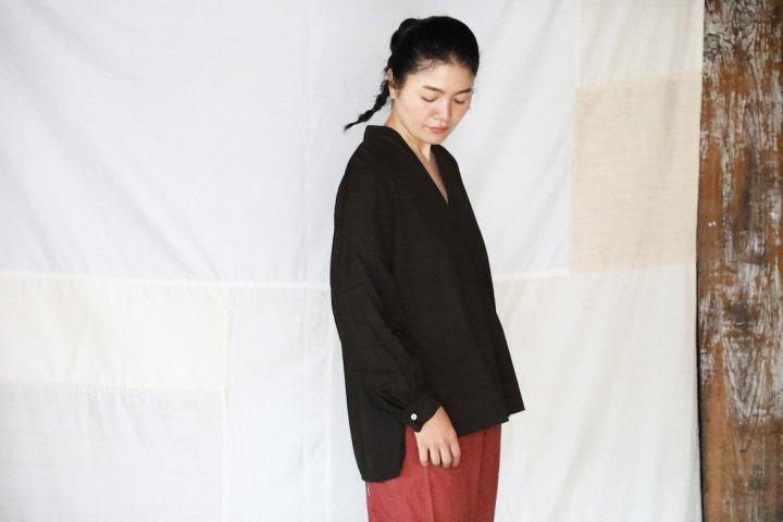 COSMIC WONDER  v-necked shirt