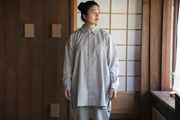 <img class='new_mark_img1' src='https://img.shop-pro.jp/img/new/icons14.gif' style='border:none;display:inline;margin:0px;padding:0px;width:auto;' />COSMIC WONDER Cotton wool shirt