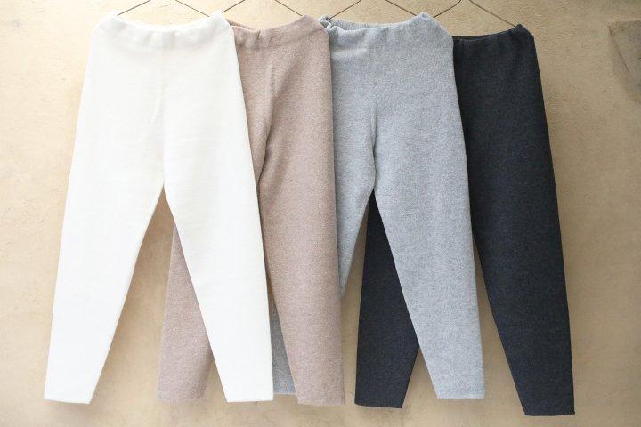 <img class='new_mark_img1' src='https://img.shop-pro.jp/img/new/icons14.gif' style='border:none;display:inline;margin:0px;padding:0px;width:auto;' />COSMIC WONDER Tasmanian wool pants