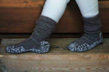 PUENTE Rueca(ルエッカ) 手紡ぎ靴下(25cm〜26cm)