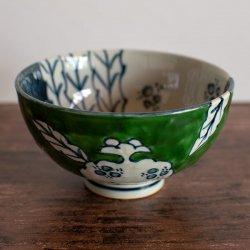 古赤絵 柘榴文 (緑) 彫茶碗 (大)