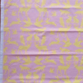 【50%OFF】デンマーク買付生地 動物柄(ピンク)68×40cmのカット販売