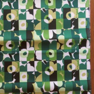 【30%OFF】marimekko裏PVC生地 MINI RUUTUUNIKKOグリーン 70×30cmのカット販売