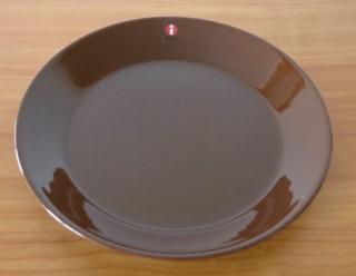 iittala TEEMA 17cmプレート(ブラウン)