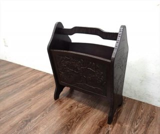 伝統工芸 民芸家具 軽井沢彫り 木製マガジンラック 手彫り ●