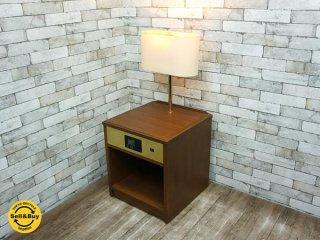 ホテルライク ナイトテーブル サイドテーブル スタンド照明付き ●