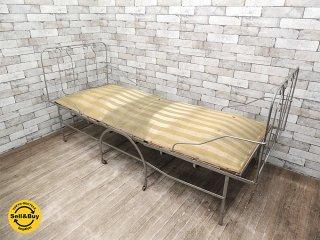 UKアンティーク アイアン 折り畳みベッド デイベッド 店舗ディスプレイ ビンテージ 店舗什器 英国●