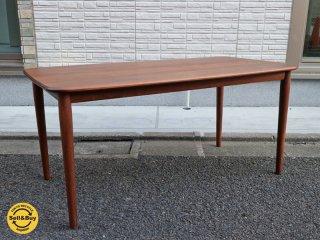 ケユカ KEYUKA オーフス ダイニンクテーブル155 ウォールナット無垢集成材 ◎