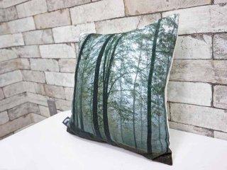 ニコレット ブルンクラウス nicolette brunklaus 霧深い森の風景 クッション H.P.DECO取り扱い ●