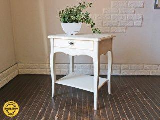 フレンチスタイル サイドテーブル ホワイトペイント ナイトテーブル  引出し付き  ◎