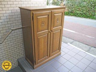 ダックス DUX 木製キャビネット ナラ無垢材 国内ハンドメイド家具 クラシカルデザイン ■